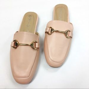 Shoes - Pink loafer mule